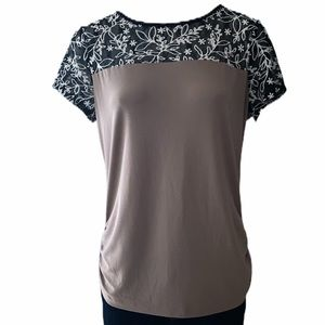 Tops - Round Neck   Short Sleeve   Black and Brown Blouse
